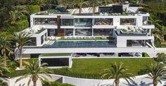 http://ift.tt/2k98XXa http://ift.tt/2ji8UKi  La octava maravilla del mundo ya está aquí. El apodado Rey de la especulación y Magnate inmobiliario Bruce Makowsky conquista el Triángulo de Platino de Los Ángeles con su última propiedad trofeo diseñada meticulosamente de principio a fin con obras de arte exclusivas de todas partes del mundo.  BEL AIR California Enero de 2017 /PRNewswire/ - El gran diseñador de lujo Bruce Makowsky famoso por seleccionar diseñar y dar vida a algunos de los…