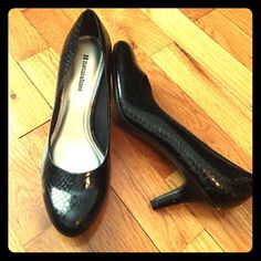 "Naturalizer heels ""snake skin"" pattern.  never worn, sorry no box. 1"" heel Naturalizer Shoes Heels"