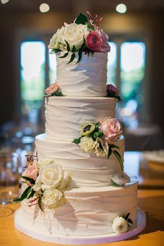 Floral wedding cake - Clane Gessel Photography - Belle The Magazine