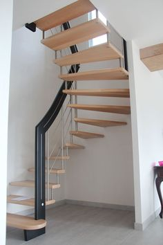 Spiral Stairs Design, Home Stairs Design, Home Building Design, Railing Design, Interior Stairs, Home Interior Design, Escalier Art, Escalier Design, Small Space Staircase