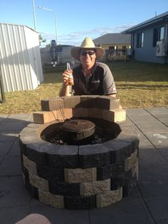 Cold beer and a camp oven , that's liven