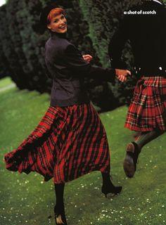 """Linda Evangelista, """"A shot of scotch"""" - Vogue US September 1991 - ph. Steven Meisel"""