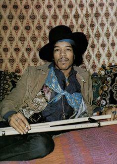 """simplybek: """"Jimi Hendrix 1969 ogni dettaglio dell'immagine è perfetto"""""""