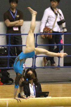 Female Gymnast, Gymnastics Girls, Athlete, Sumo, Wrestling, Sports, Women, Art, Lucha Libre
