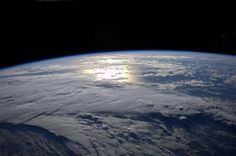 sunrise seen from International Space Station, Reid Wiseman Space Photography, Space Planets, Space Exploration, Stargazing, Planet Earth, Astronomy, Cosmos, Airplane View, Sunrise