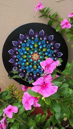 Arte de Rosangela Bavaresco Mandala no mdf, tecnica Pontilhismo