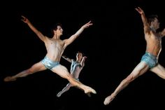 Review: Arizona Ballet Performs Round in a Dreamy Desert Ambience