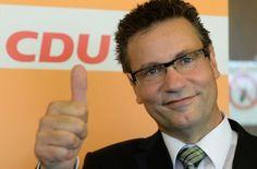 CDU-Verbraucherschutzministers Peter Hauk aus Baden-Württemberg fordert eine Deutschpflicht im Internet. #Neuland wir kommen!  https://gamezine.de/deutschpflicht-im-neuland-so-bekloppt-koennen-cdu-politiker-sein.html