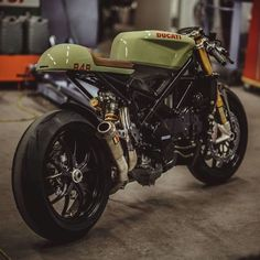 "CAFERACER BIKES en Instagram: ""Ducati 848 cafe racer looking awesome! Via @nctmotorcycles #caferacerbikes_ig"" • Instagram"