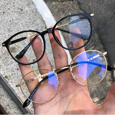 Gafas de moda Woman Shoes how many pairs of shoes does the average woman own Cute Sunglasses, Cat Eye Sunglasses, Sunglasses Women, Glasses Outfit, Fashion Eye Glasses, Bijoux Piercing Septum, Glasses Trends, Lunette Style, Accesorios Casual