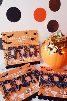 Add an personal touch to your upcoming party invitations with easy #DIY message garlands. #Halloween #Party #Invitations