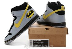 Two of my favorite things combined into Batman Nike High top Shoes! Sock Shoes, Cute Shoes, Me Too Shoes, Shoe Boots, Batman Shoes, Batman Outfits, High Shoes, High Top Sneakers, Manado