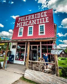 15 Restaurants You Have To Visit In Montana Before You Die Fun places to eat in Montana inlcuding Polebridge Mercantile & Bakery, Polebridge. What a delicious Montana travel adventure. Big Sky Montana, Helena Montana, Whitefish Montana, Flathead Lake, Montana Homes, Restaurants, Vacation Trips, Vacations, Vacation Ideas