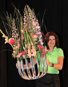 Catwalk with Flowers - Ron de Vries - Picasa Webalbums