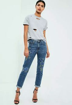 From high waisted to skinny, you can never have too many pairs of jeans so upgrade your new season wardrobe with the newest styles at Missguided. Jeans Bleu, Floral Jeans, Embroidered Jeans, High Waist Jeans, Missguided, Fitness Fashion, Mom Jeans, Skinny, Pants