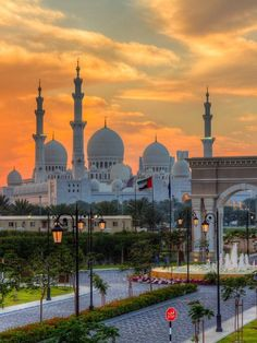 http://breathtakingdestinations.tumblr.com/post/98026484568/abu-dhabi-united-arab-emirates-by-jeff