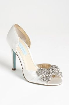 Satin wedding sandal - My wedding ideas