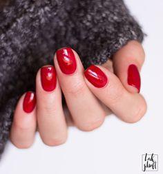 Zoya Alix Swatch Red Nails Rote Nägel