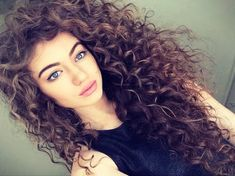 This is the Best Women's Naturally Curly Hair all curly gals will love. Learn what to eat and the way to take care of your hair. Shine products are famous for creating your hair flat Big Curly Hair, Curly Hair Styles, Natural Hair Styles, Curly Girl, Long Curly, Permed Hairstyles, Pretty Hairstyles, Hairstyles 2016, Hairstyle Ideas