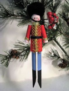 Toy Soldier Clothespin Ornament-picture only Clothes Pin Ornaments, Diy Christmas Ornaments, How To Make Ornaments, Craft Stick Crafts, Christmas Projects, Holiday Crafts, Nutcracker Ornaments, Noel Christmas, Homemade Christmas
