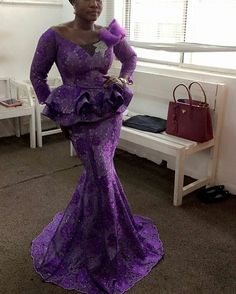 Aso ebi styles are moving at a pace and everyone wants a piece of it for their next wedding, nobody wants to look shabby, seem backward or old-fashioned at this… Nigerian Lace Styles, African Lace Styles, African Lace Dresses, Latest African Fashion Dresses, African Dresses For Women, African Print Fashion, African Attire, African Wear, Ankara Styles