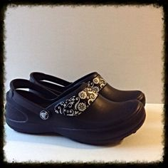 35bced6f73a593 Black Mercy Work Crocs Only worn once! These are in EUC. W7 crocs Shoes