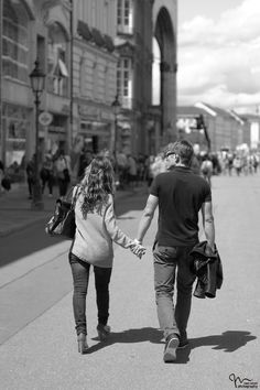 a couple  - street photography Munich