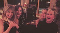 X17 Mobile - Dakota Johnson And Kate Hudson Mom Swap In Aspen