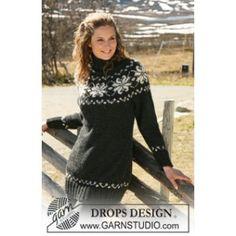 Knitted DROPS jumper with round yoke sleeves in 2 threads Alpaca. Size S – XXXL. Free knitting pattern by DROPS Design. Fair Isle Knitting Patterns, Fair Isle Pattern, Knit Patterns, Sweater Patterns, Drops Design, Handgestrickte Pullover, Icelandic Sweaters, Drops Patterns, Christmas Knitting
