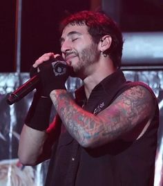 Sully Erna kick tonight =)