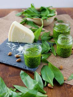 Pradobroty: Pesto z medvědího česneku Pesto, Preserves, Cantaloupe, Food And Drink, Yummy Food, Herbs, Homemade, Canning, Fruit