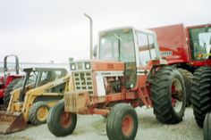 Lousy picture of Series 86 tractor