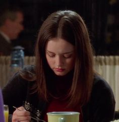 Pretty People, Beautiful People, Beautiful Women, Rory Gilmore Style, Glimore Girls, Autumn Cozy, Gossip Girl, Girl Outfits, Celebs