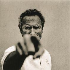 Fotograaf Anton Corbijn zoekt het eigenaardige van zijn onderwerpen. Clint Eastwood (acteur en regisseur).