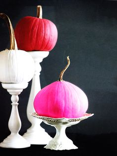 we just adore this non-traditional halloween decor... in our favorite colors!