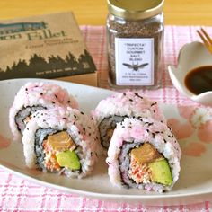 I made this sushi rolls using gifts from Tacoma!