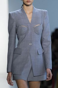 Dion Lee at New York Fashion Week Fall 2018 - Details Runway Photos - Women's style: Patterns of sustainability New York Fashion, Fashion Week, Runway Fashion, High Fashion, Fashion Outfits, Fashion Trends, Feminine Fashion, Fashion Top, Young Fashion