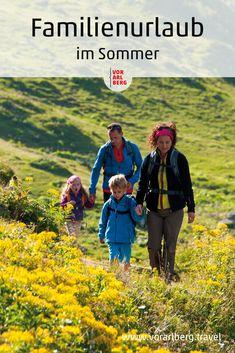 Spielerisch, informativ und vielseitig: So präsentiert sich der Vorarlberger Sommer für Familien. Auf in die Natur, Neues entdecken und ausprobieren! Unsere Tipps für einen kurzweiligen Familienurlaub in Vorarlberg in Österreich. Hiking With Kids, Summer Days, Family Vacations, Travel Advice, Nature, Viajes