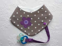 "Scarves - Scarf with pacifier strap, ""taupe-lilac"" - a designer product from . Baby Sewing Projects, Sewing For Kids, Sewing Crafts, Handgemachtes Baby, Baby Tie, Baby Pants Pattern, Hat Patterns To Sew, Kids Apron, Sewing Basics"