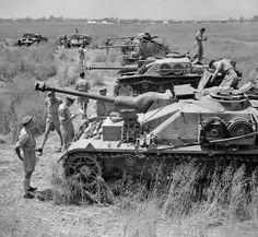 ROYAL MODEL 163 SS UNTERSTURMFUHRER STOUMONT 1944-1//35 RESIN KIT