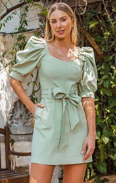 Casual Party Dresses, Stylish Dresses, Cute Dresses, Short Dresses, Indian Designer Outfits, Designer Dresses, Dress Outfits, Fashion Dresses, Pakistani Bridal Dresses