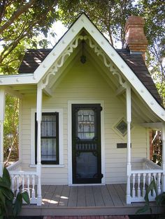 tiny house with diamond window,cute!