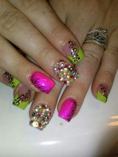 Nail Art Design Bling Animal Print Pink Green