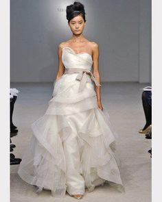 Vera Wang 2011. The most exquisitely beautiful wedding dress I've seen in a while.