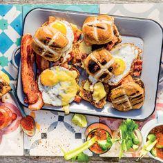 Breakfast Recipes, Breakfast Sandwiches, Crispy Pork, Hot Cross Buns, Brunch, Rolls, Cooking, Sweet, Harvest