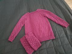 Sukista tumppuihin: Lämmikettä syksyyn My Works, Knitting, Sweaters, Fashion, Moda, Tricot, Fashion Styles, Breien, Stricken