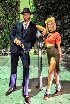 ♚♛нσυѕтσиqυєєивяι♛♚ - Kardashian's family - halloween costumes Bonnie And Clyde Halloween Costume, Cute Couple Halloween Costumes, Celebrity Halloween Costumes, Trendy Halloween, Creative Halloween Costumes, Halloween Kostüm, Halloween Outfits, Halloween Customs, Halloween Couples