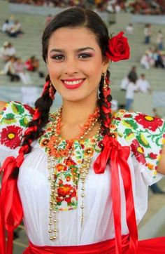 Ukrainian girls are the most beautiful in the world. You dream about one? Your girlfriend is Ukrainian? Read how to build a happy family with her! How to win a heart of Ukrainian girl? How to choose your sexy Ukraine Looking for your Ukraine girl? Mexican Costume, Mexican Outfit, Mexican Dresses, Mexican Style, Mexican Halloween, Traditional Mexican Dress, Traditional Dresses, Most Beautiful Women, Beautiful People