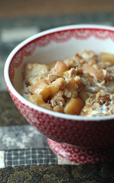 Apple Pie Oatmeal. This would probably go well with a good book and a lazy Saturday morning!