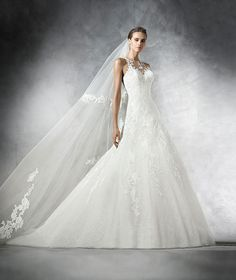 Véu de noiva V-2849 como complemento   Pronovias